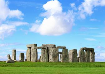 Small Group Tour to Windsor, Bath and Stonehenge with Entries and Free Lunch Pack
