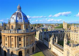 1 Day Hop-on Hop-off Ticket and Oxford, Stratford, Cotswolds and Warwick Castle with Free Lunch Pack