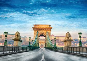 Budapest Tour from Bratislava by Bus with Grand City Tour in Budapest