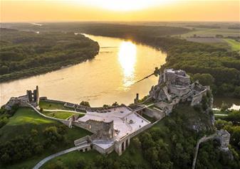 Grand City Tour of Bratislava with Devin Castle