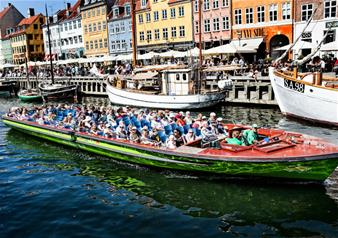 Hop-on Hop-off Boat in Copenhagen