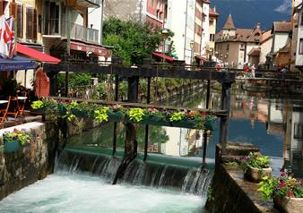 Geneva and Annecy City Tour with Boat Cruise