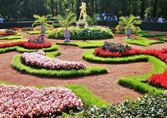 Small Group Tour to Peterhof Grand Palace and Gardens - Early Access Tickets