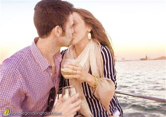 Romantic Yacht Sunset Sailing Tour in San Diego for a Couple