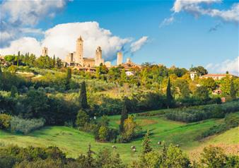 Small Group Tour of San Gimignano and Volterra from Siena
