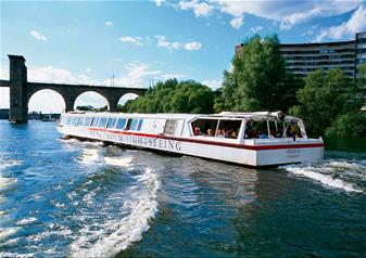 Under the Bridges of Stockholm - Classic Boat Sightseeing Tour