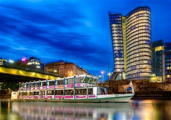 Viennese Evening with Boat Cruise