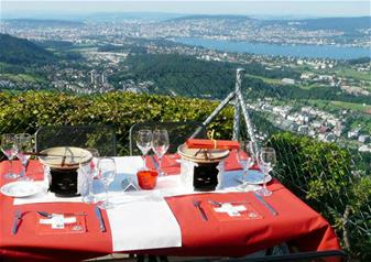 Evening Zurich Tour with Cheese Fondue Experience