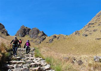 Full Day Hiking tour of Rainbow Mountain with Hotel Pick-Up – Private Tour