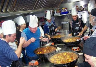 Paella Cooking Class and City Tour by Bus in Valencia